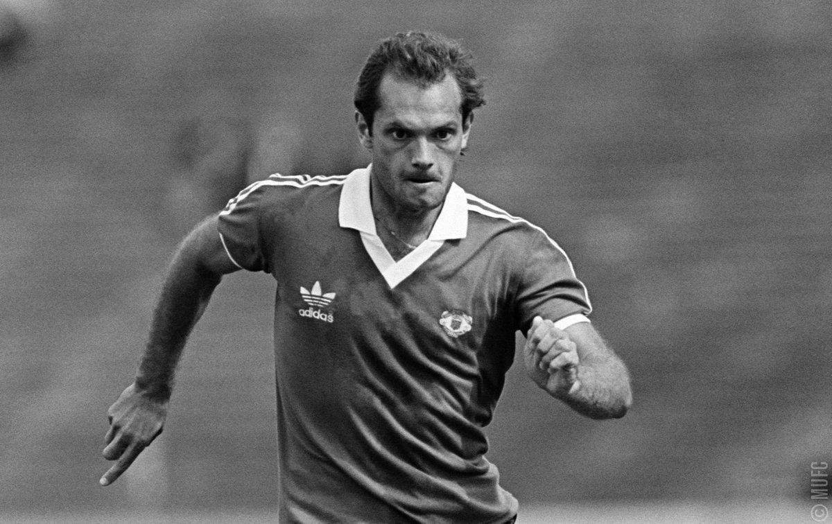 Умер бывший игрок «Манчестер Юнайтед» Рэй Уилкинс