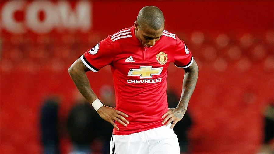 """""""Манчестер Юнайтед"""" отстает от лидера по турнирной таблице на 16 очков"""